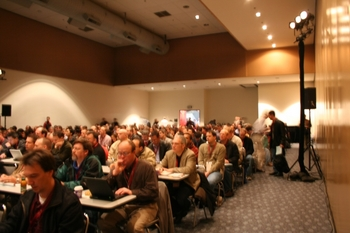 Crowd at Botnet Live with Wayne Porter and Chris Boyd at RSA